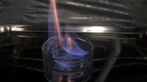 アルコール消毒液は何%で火がつく?